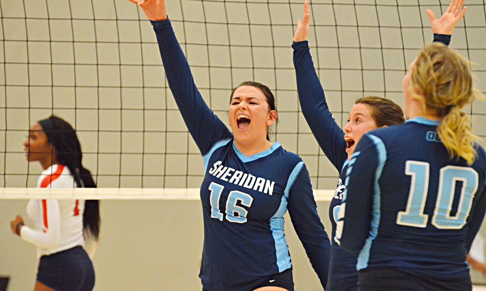 Women's volleyball hold off Loyalist in OCAA quarter-final