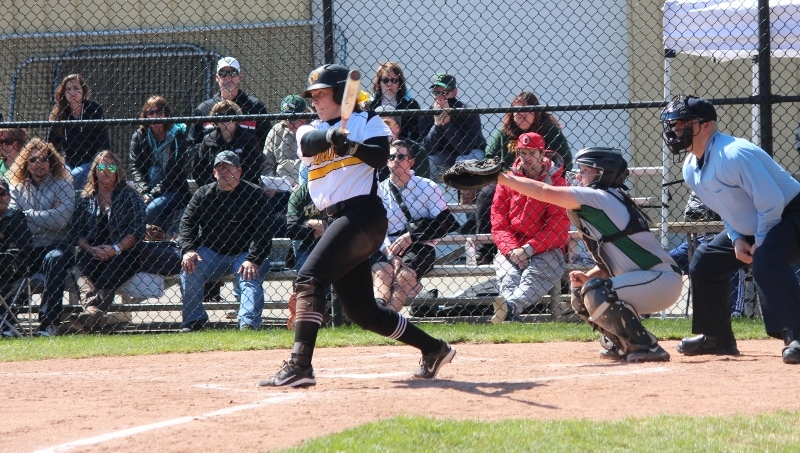 Softball Falls To Southern Indiana, Bounces Back With 4-1 Win Over Truman