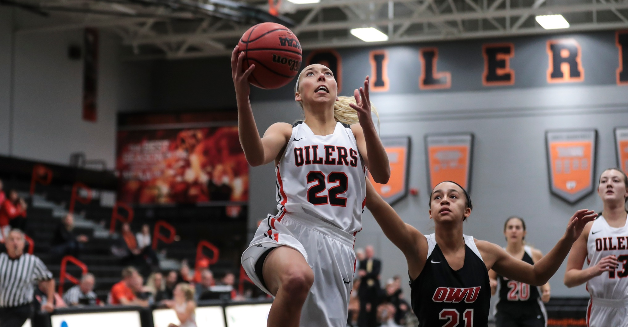 Oilers Open Season With 20-Point Win at Wayne State