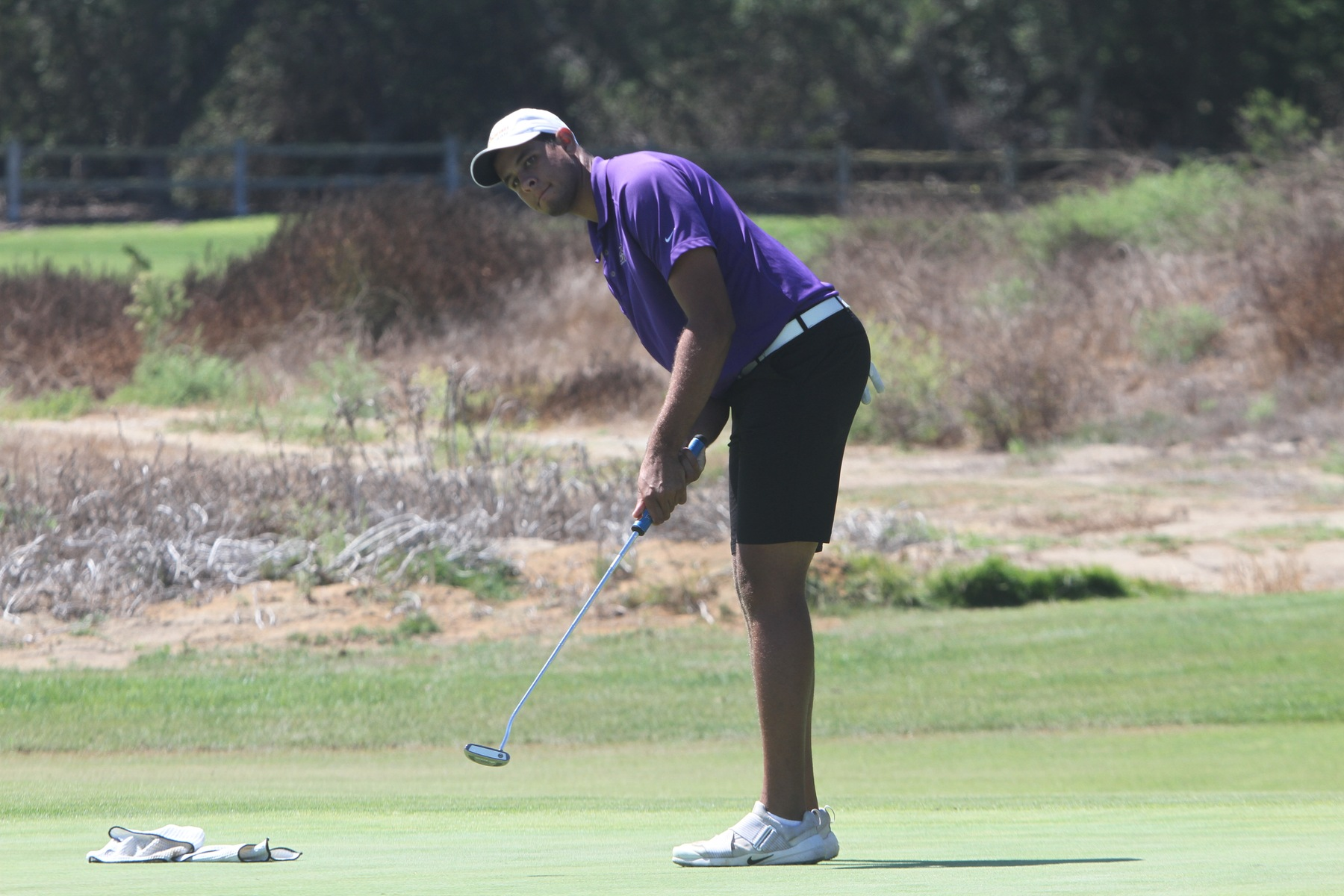 Men's Golf Places 10th; Three Kingsmen Tie for 26th