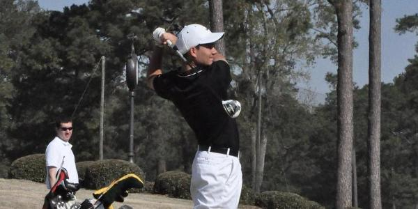 Golf: Panthers in first after first round of USA South Tournament