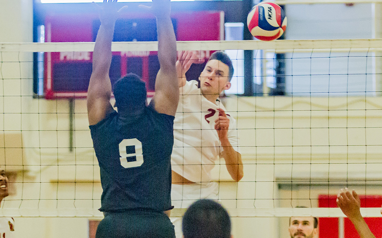 Men's Volleyball Falls In Five-Set Thriller to Emmanuel