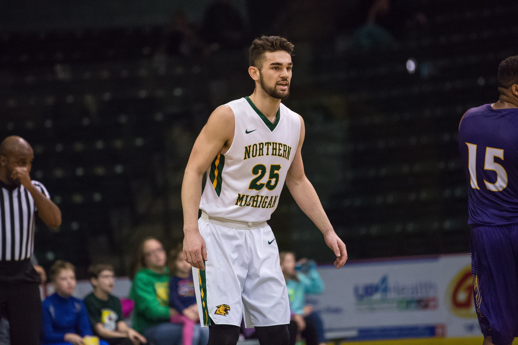 Men's Basketball Visits Davenport and Wayne State for GLIAC action