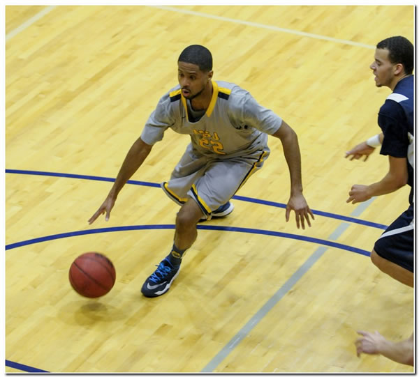 Mount men's basketball team ups record to 6-2 with a 61-57 OT win at Albion College