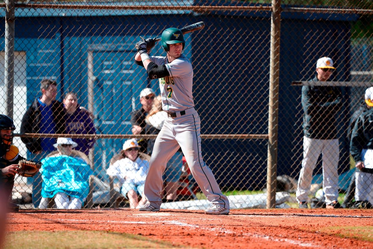 Fitchburg State Splits Final Doubleheader With Cazenovia