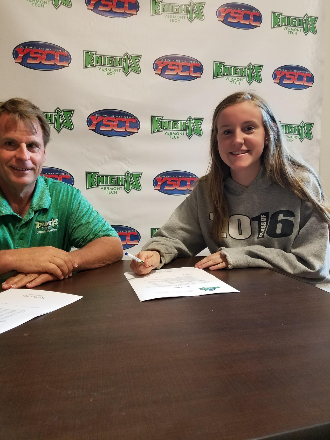 Knights signs local runner Gracey Frary to women's Cross Country Team