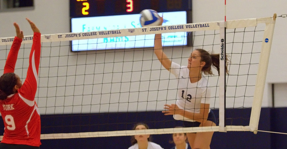 Women's Volleyball Sweeps Dolphins To Move Back Over .500