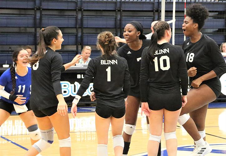 Blinn College Volleyball Team Rolls To 3-0 Win Over Navarro