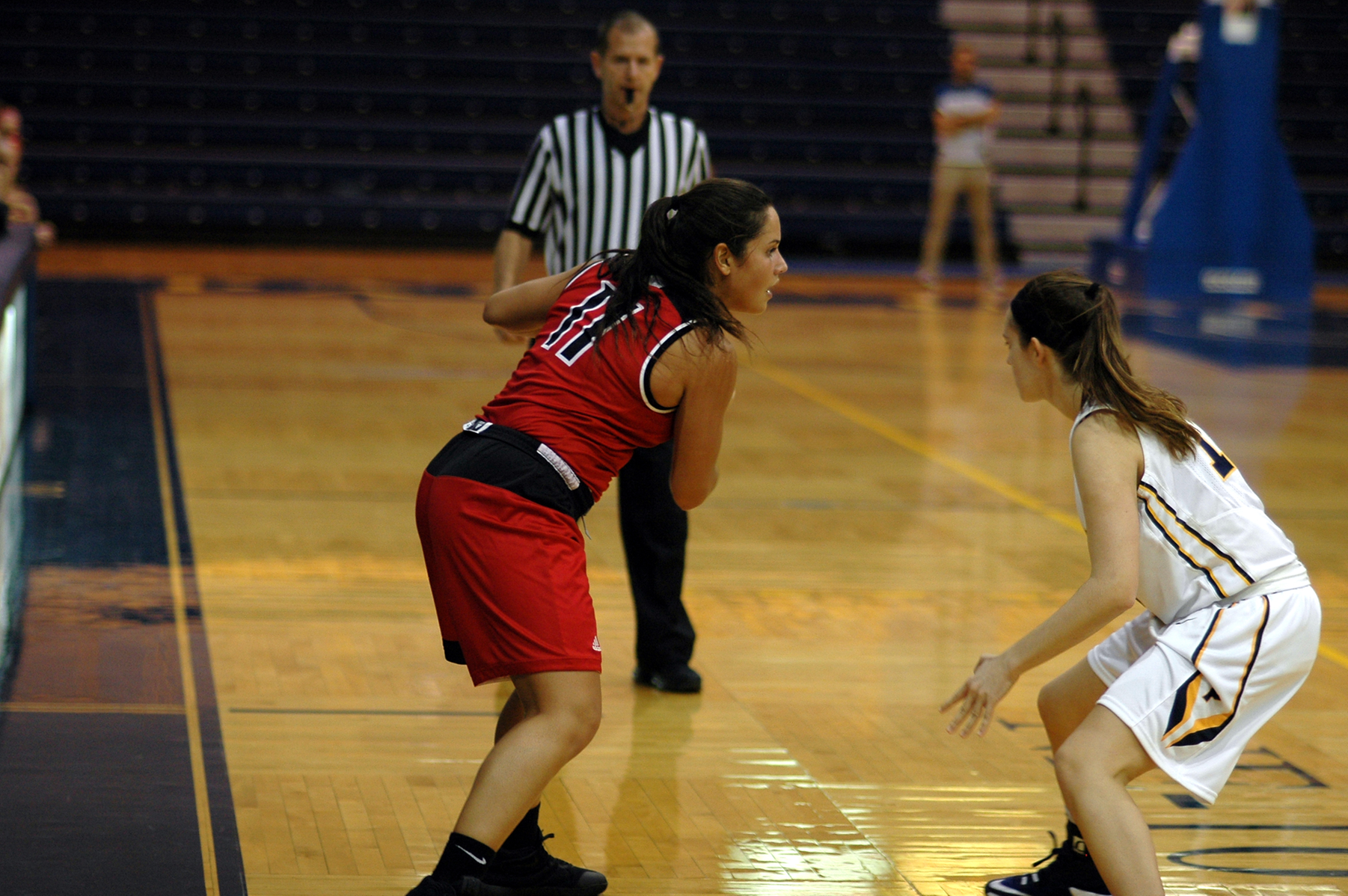 WOMEN'S BASKETBALL FALLS TO MANHATTAN COLLEGE IN EXHIBITION CONTEST