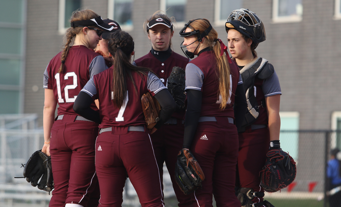 Maroon Softball Falls Twice to Case Western Reserve