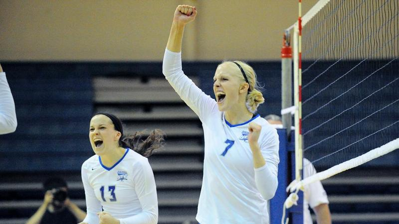 Volleyball Sweeps FDU on Homecoming