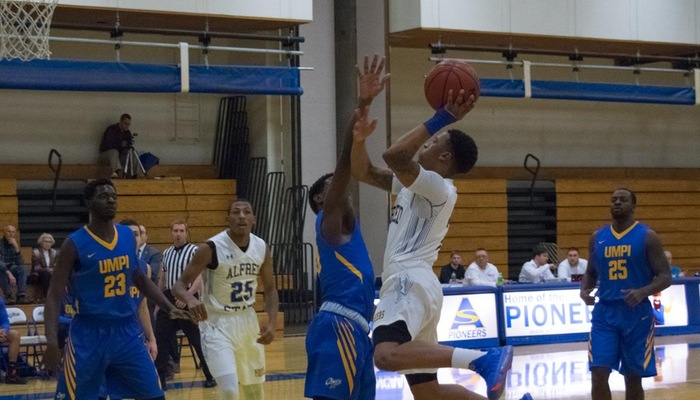 Juwan Toliver hangs in the air