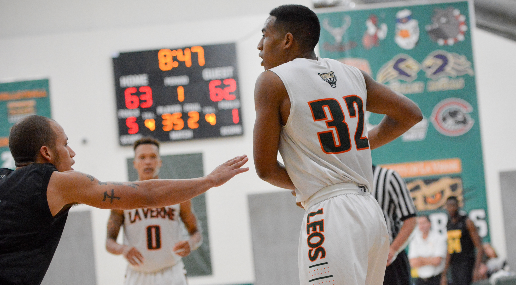 White has 26 and 12 to lead La Verne past Linfield 87-80