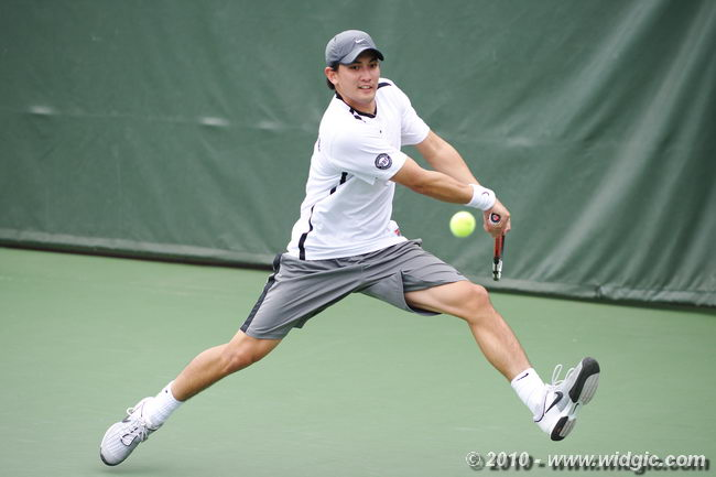 No. 47 Men's Tennis Suffers First Home Loss To No. 20 Washington, 5-1