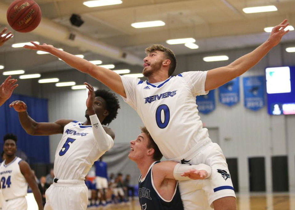 Parker Hazen scored 16 points as he and his Reiver teammates won the Holiday Inn / Hampton Inn Reiver Classic Saturday (11/10/18) evening at Reiver Arena.