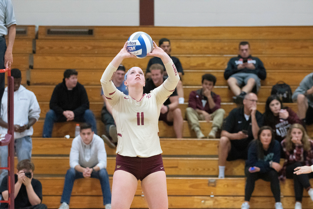 Volleyball: Norwich hosts GNAC tri-match, fall to Suffolk and Regis