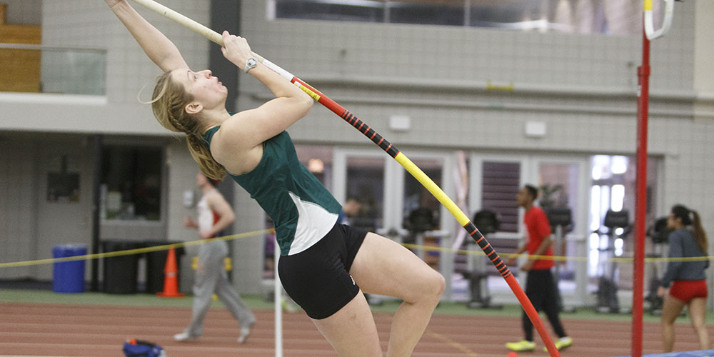 Women's Indoor Track & Field Turns in a Good Performance at Bowdoin