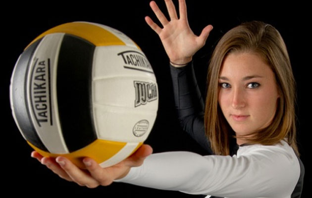 Women's Volleyball Signs Truzzolino