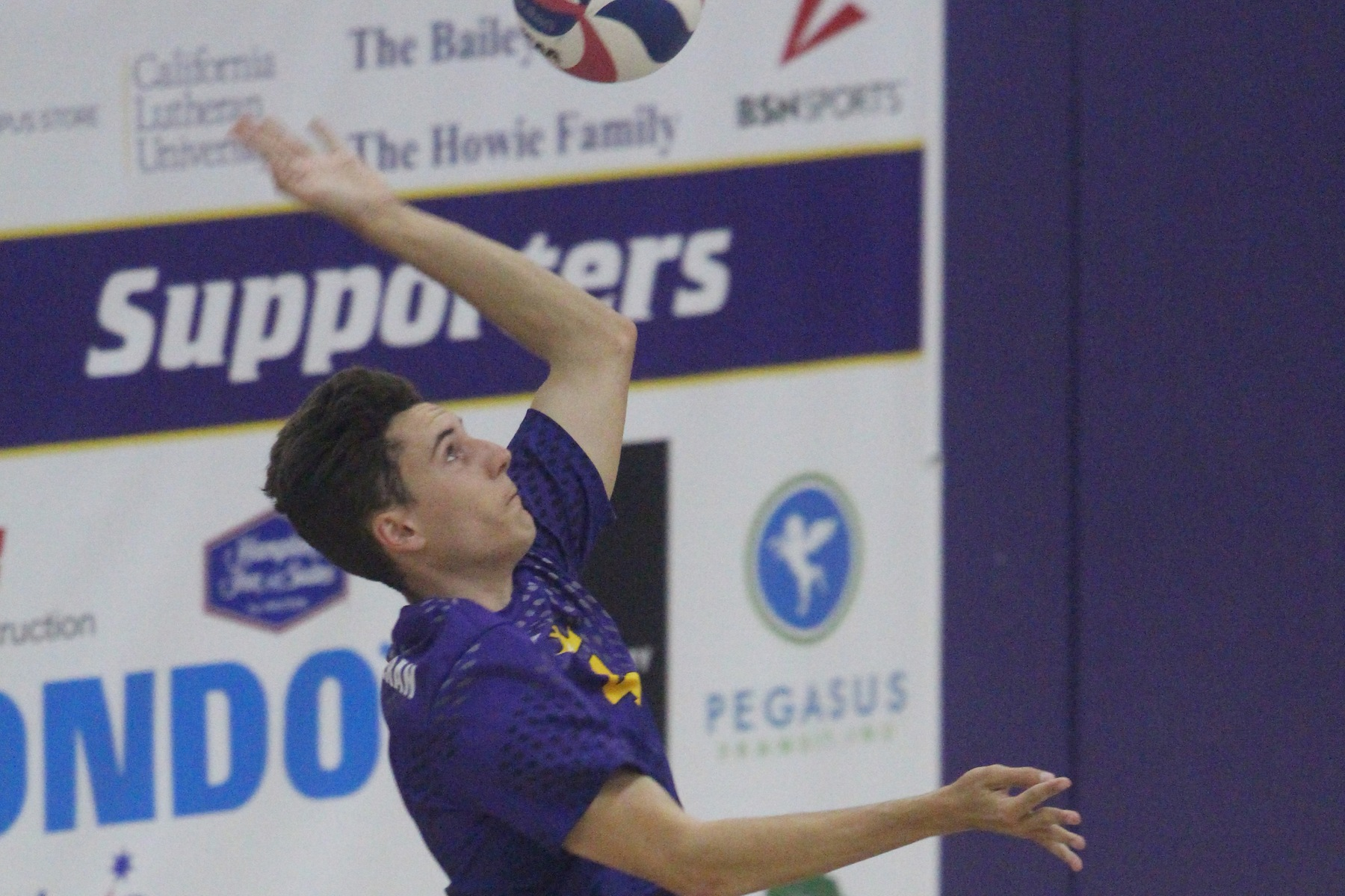 Kingsmen Fall in Five Set Thriller
