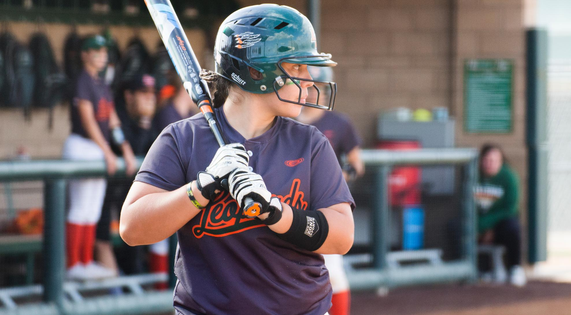 Softball sweeps Occidental