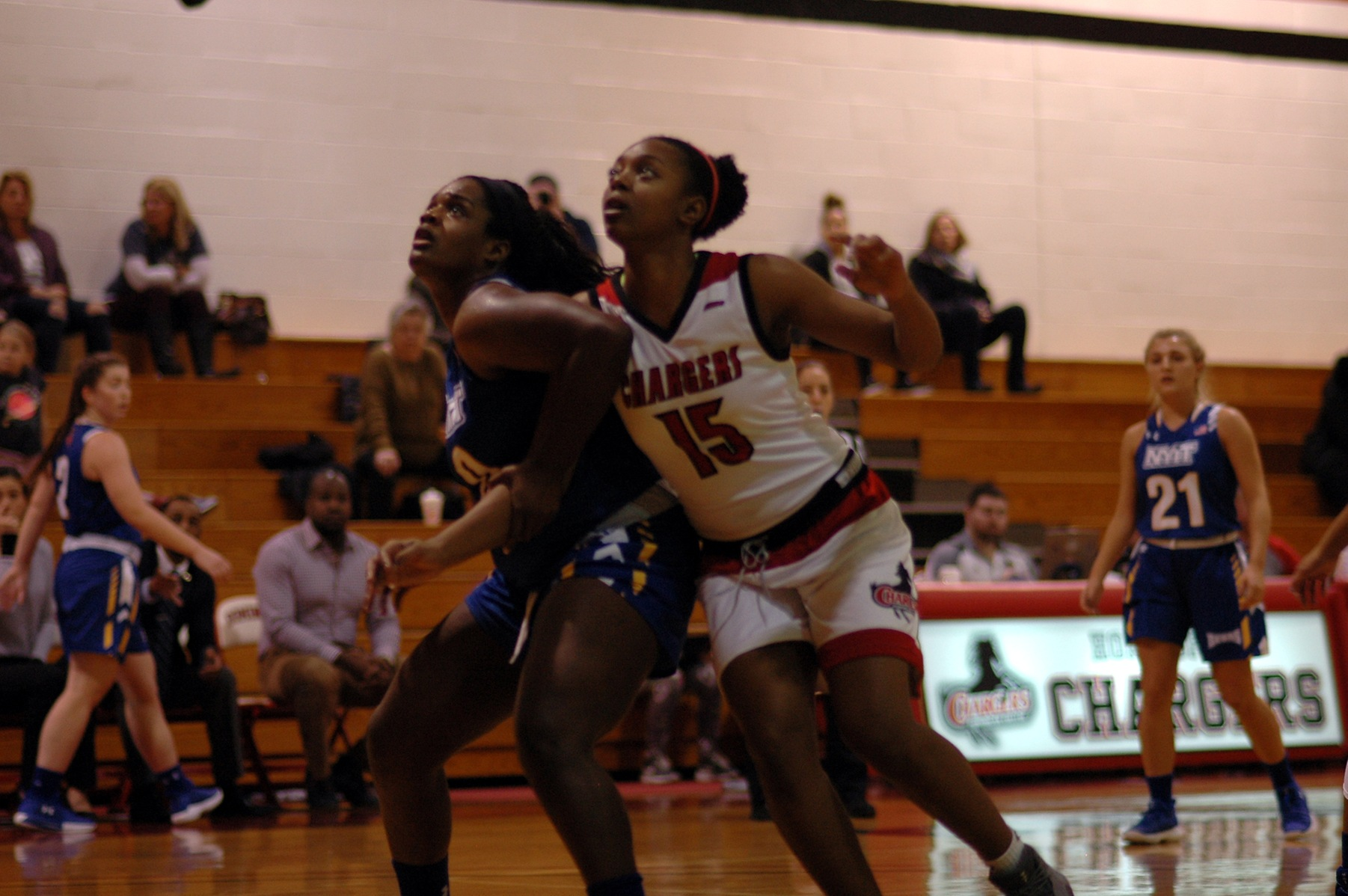LADY CHARGERS REMAIN WINLESS AFTER LOSS TO QUEENS COLLEGE
