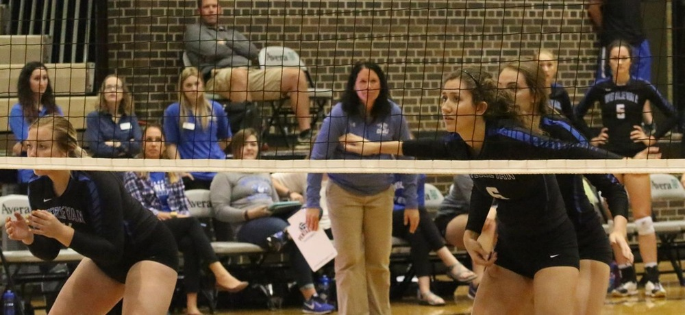 No. 1 Hastings downs DWU volleyball
