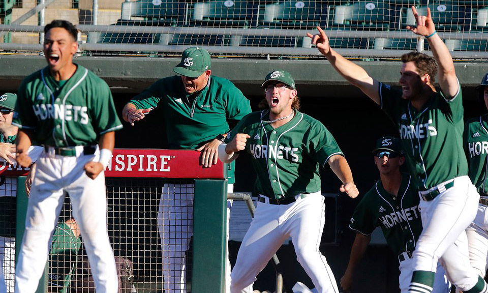 BASEBALL WINS BACK-AND-FORTH THRILLER AGAINST UTAH VALLEY, 6-4, ADVANCES IN WAC TOURNAMENT