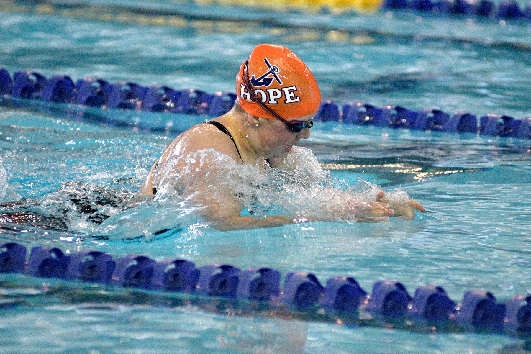 Emma Schaefer swims the IM