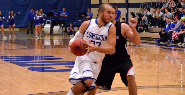 Kahlfeldt nets 29 to lead Men's Basketball past Finlandia