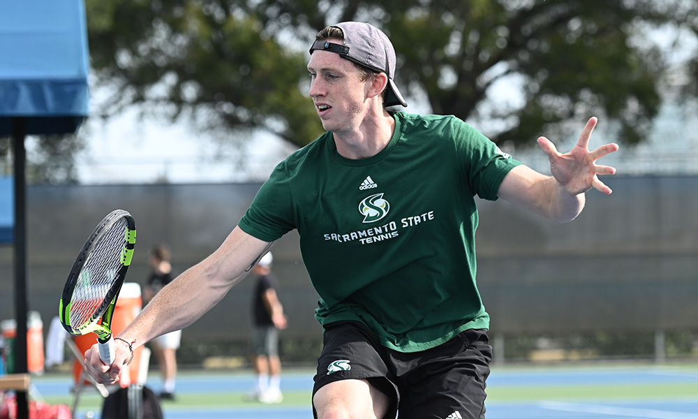 MEN'S TENNIS BEATS IDAHO STATE, CLINCHES BIG SKY TOURNAMENT BERTH