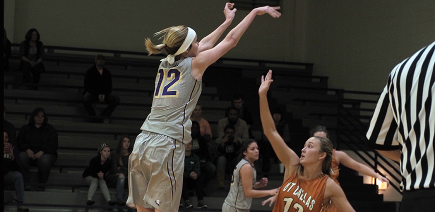 No. 25 Texas Dallas Women Fight Off Ozarks