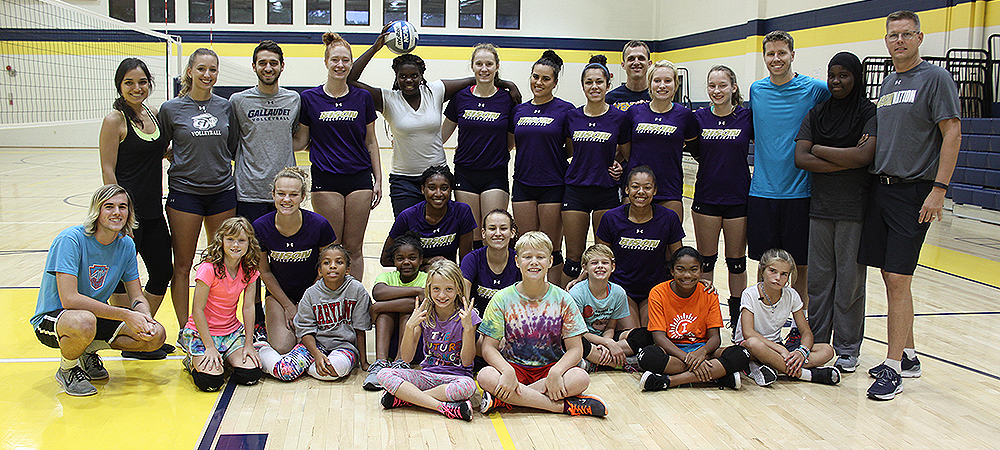 Gallaudet women's volleyball host clinic for Kendall Middle School team