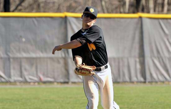 Bats Fall Silent in Baseball's Loss to UMass Boston
