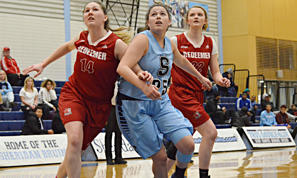 Women's basketball stumble in loss to Redeemer