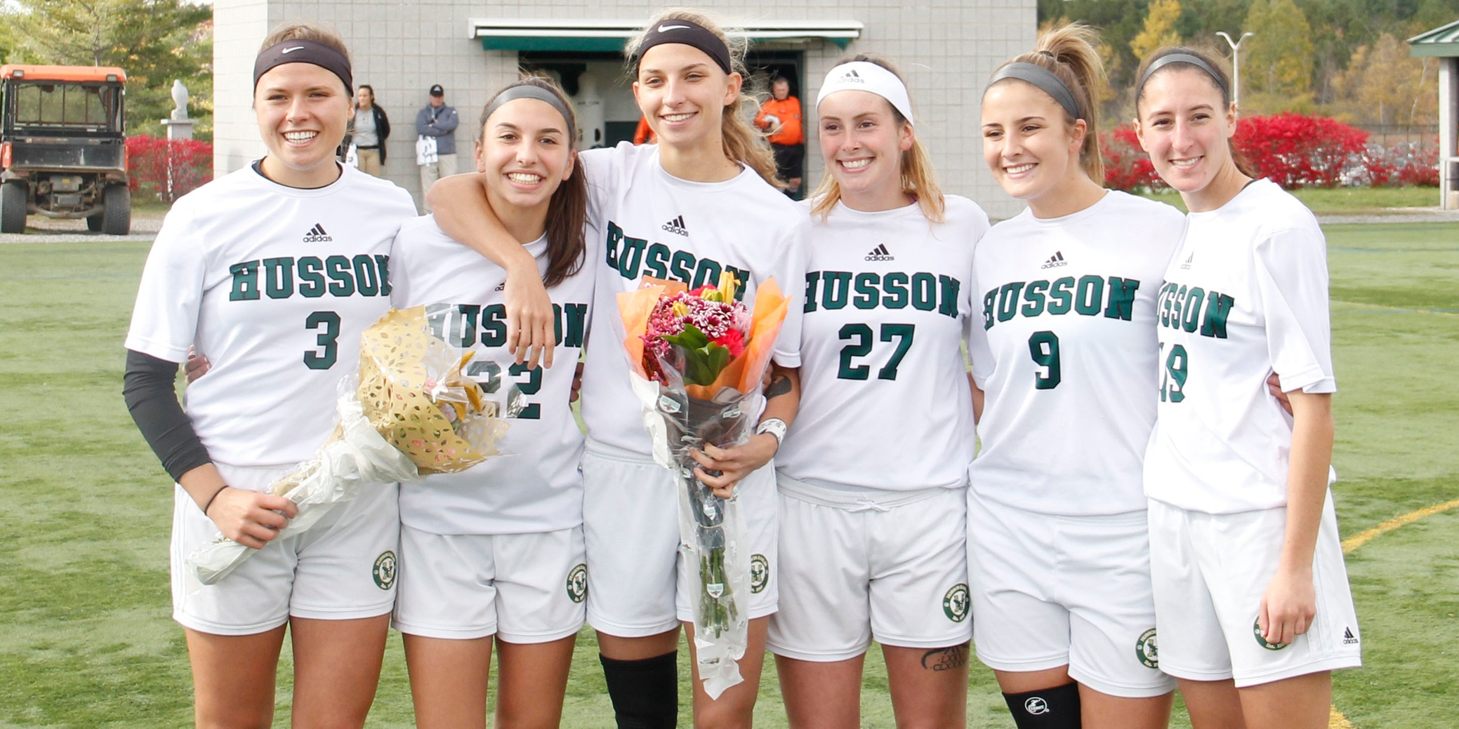 Seniors Capitalize on Women's Soccer Senior Day with 6-0 Victory Over Hornets