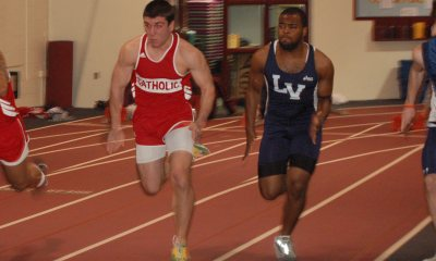 Men's Indoor Track Opens Season With Strong Performances