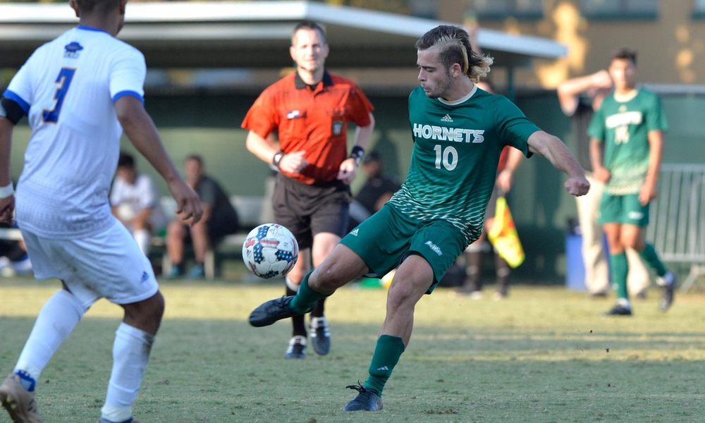 MEN'S SOCCER OPENS FINAL ROAD TRIP TONIGHT IN SANTA BARBARA, LOOKS TO FORCE TIE FOR FIRST