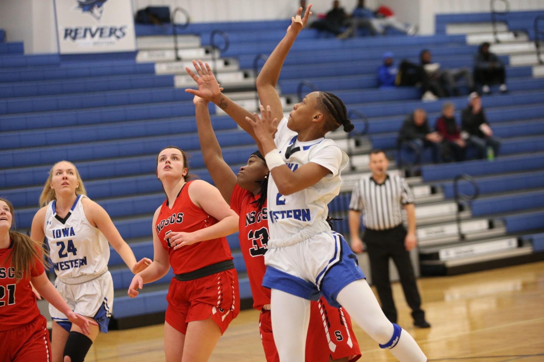 Reiver Women remain undefeated at home
