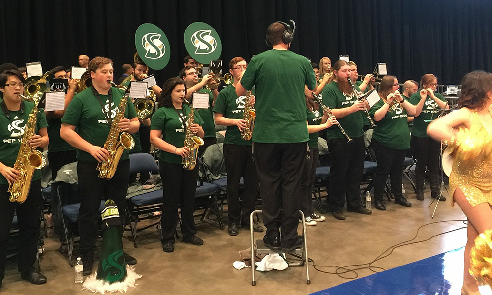 ATHLETICS DEPARTMENT LOOKING FOR PEP BAND MEMBERS