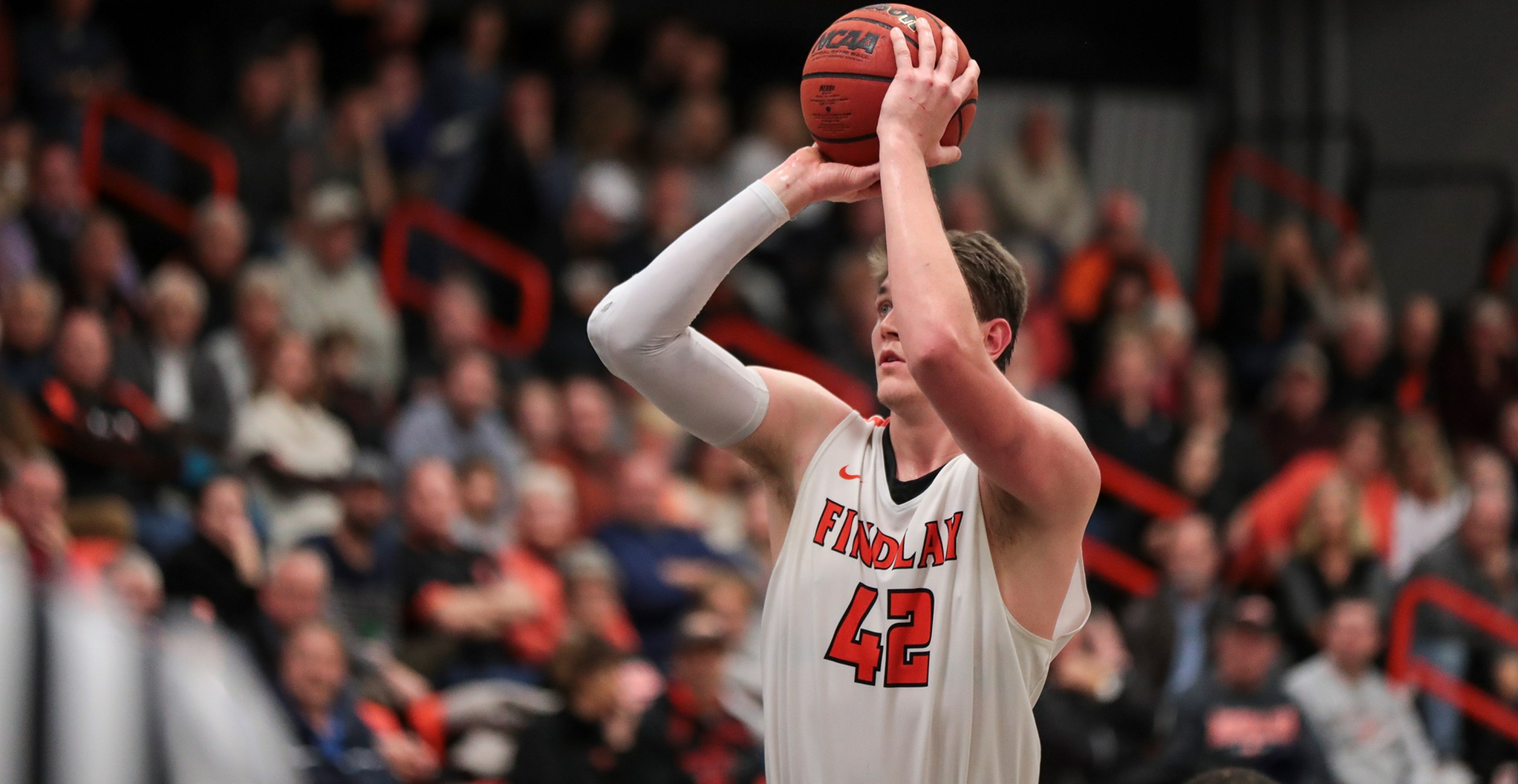White Leads #23 Oilers to 92-75 Win Over Battlers
