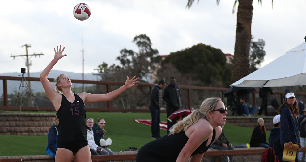 Jensen Cunningham (left) and Kirsten Mead (right) make up Santa Clara's winningest pairing this season.
