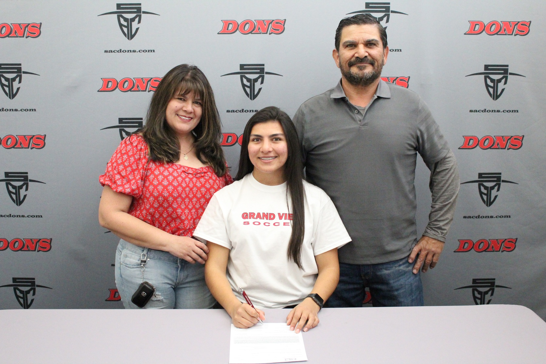 Ceballos Signs with Grand View University