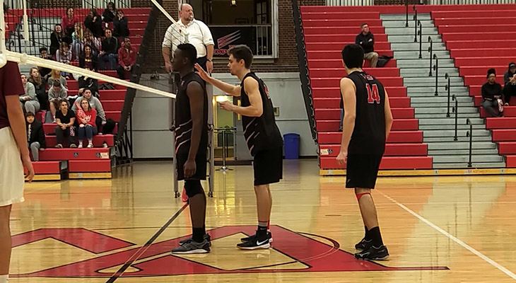 Men's Volleyball Beats Fisher; Win Streak At Five