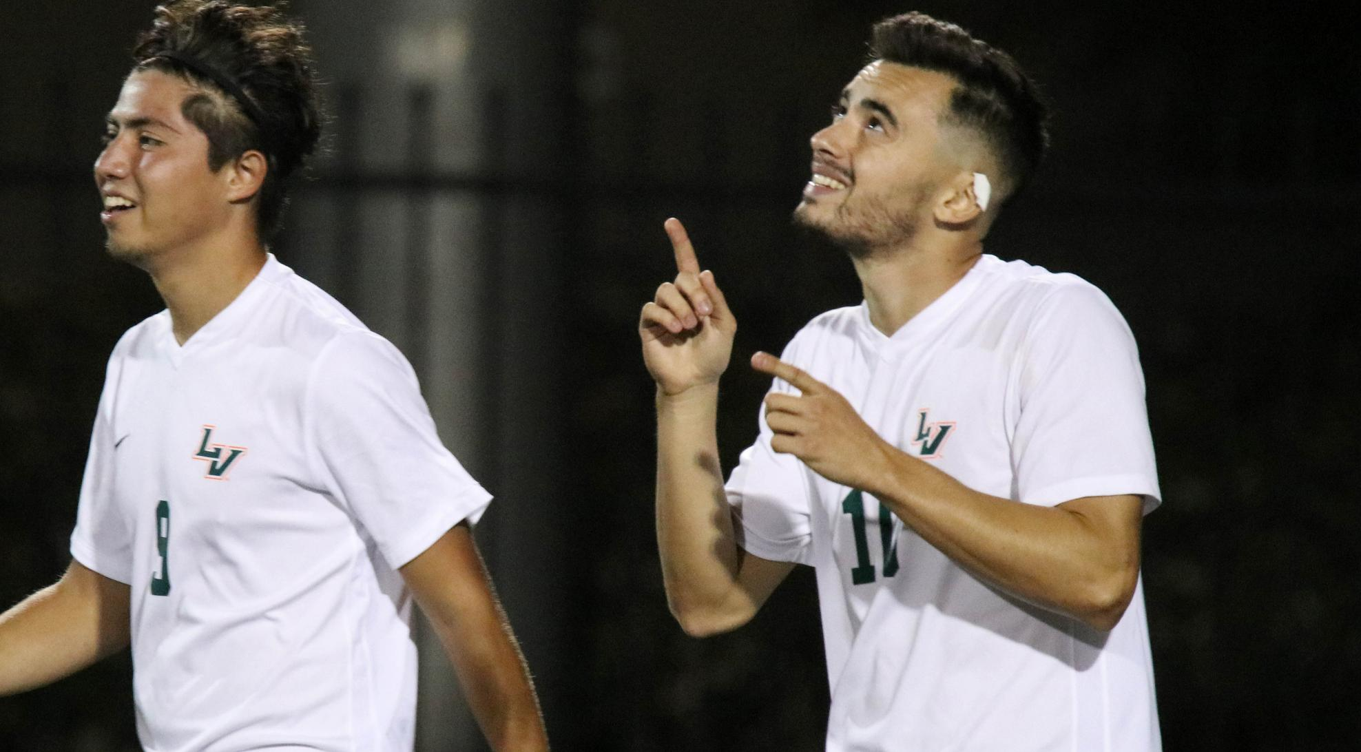 Men's Soccer cruises past Caltech, 5-1