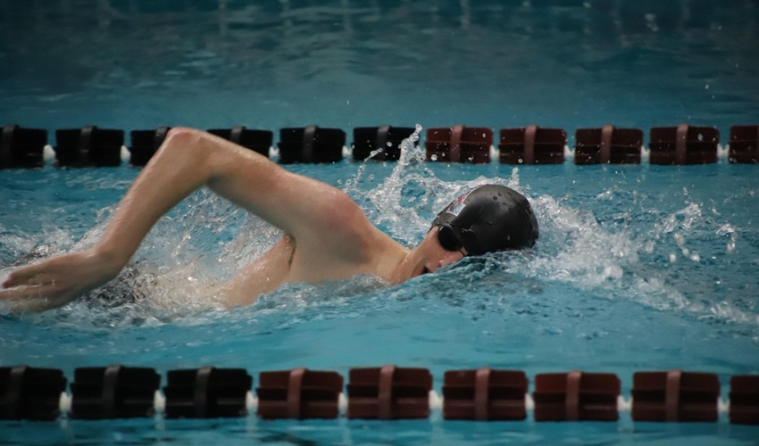 Swim and Dive Wraps Up Carthage Classic