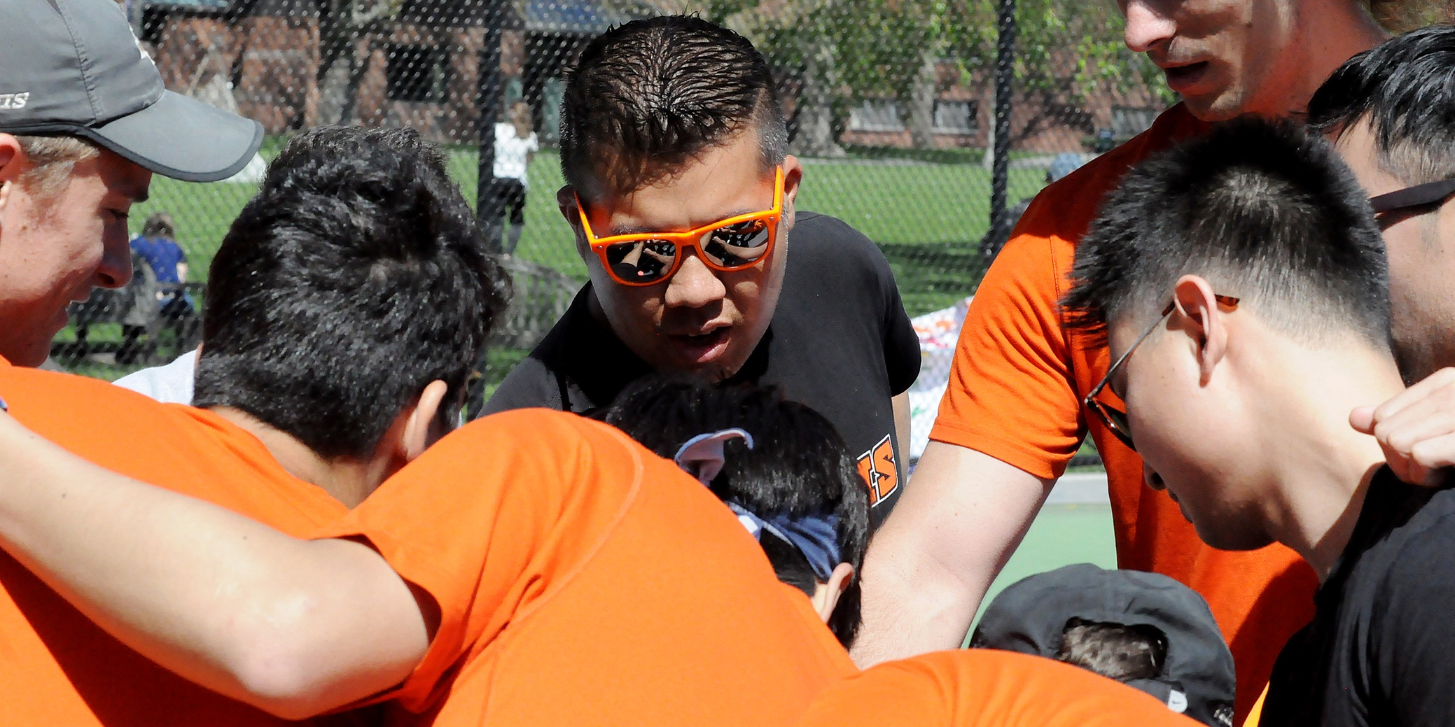 Pioneers choose alumnus Chau to lead tennis programs