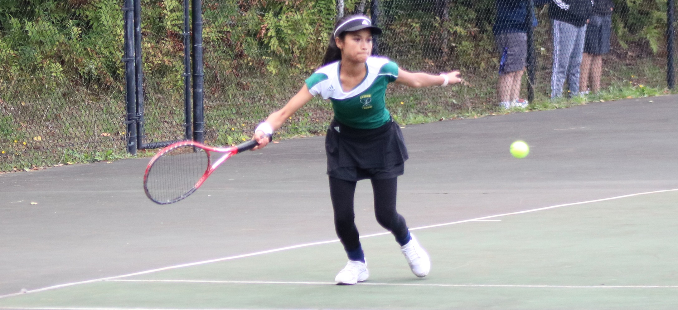 Hornets knock off Thomas in pivotal women's tennis matchup