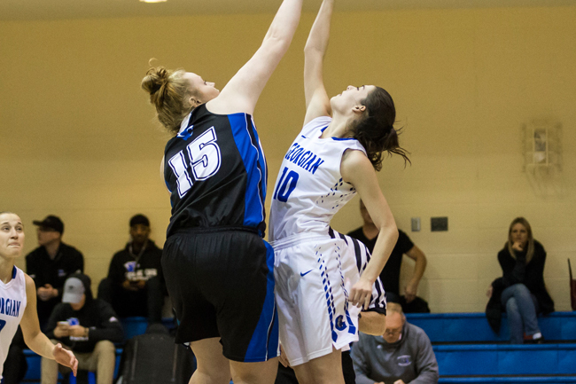 WOMEN'S BASKETBALL FALL IN SEASON OPENER