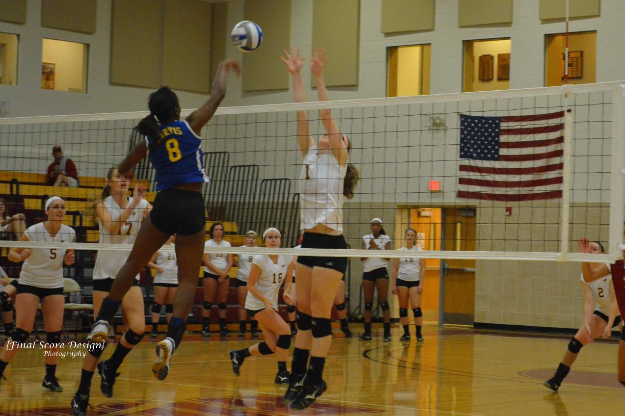 'Roo Volleyball Tops LeTourneau 3-1