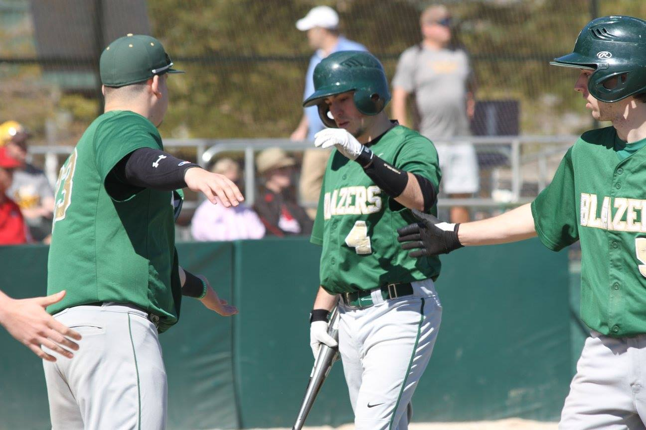 Baseball Sweeps Doubleheader Over Lakeland